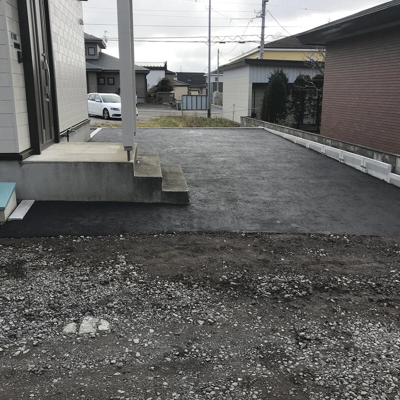 駐車スペースをきれいに施工致しました
